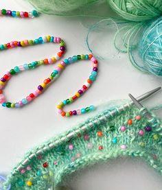 So pretty - beaded knitwear Owl Knitting Pattern, Easter Crochet Patterns, Crochet Bunny, Easy Crochet, Knit Crochet, Knitting Projects, Crochet Projects, Crochet Feather, Natural Dye Fabric