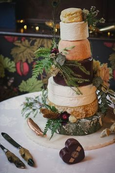 Country Wedding Cakes Benjamin and Christopher's 'Country Chic with a Taxidermy Twist' Crab and Lobster Wedding by Lissa Alexandra Photography Country Wedding Cakes, Fall Wedding Cakes, Chic Wedding, Rustic Wedding, Wedding Blog, Dream Wedding, Lilac Wedding, Wedding Ideas, Wedding Trends