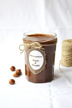 Chocolate-Hazelnut Spread | Plus Une Miette Dans L'Assiette, March 2014 [Original recipe in French]