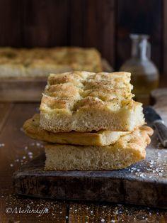 Come fare una focaccia bianca fragrantissima - Mastercheffa Cornbread, Banana Bread, Pizza, French Toast, Breakfast, Ethnic Recipes, Desserts, Pane, Food