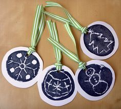 Potato print gift tags  http://blog.kanelstrand.com/2011/11/weekend-diy-hand-printed-christmas-gift.html