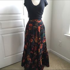FRENCH CONNECTION MAXI SKIRT Vibrant floral maxi skirt.. Honestly this one is so unique and such a show stopper. The kind you want to have in your closet. Perfectly paired with a plain tshirt.. And you look perfect! Beautiful pleated detailing and a tie back in the waist. No damage. French Connection Skirts Maxi