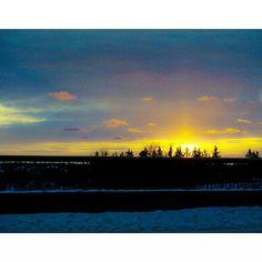 #Beautiful #Sunset #Yeg #urbanyeg #ig_myshot #ig_captures #igyegers #IGyeg #exploreedmonton #explorecanada #nature #landscape #colourpop #weareyeg #viewbugfeature #myphotocrowd #peerlesspixel #edmontonliving #travelalberta #lifeincanada #unlimitedcanada #nofilter #LDHoliday
