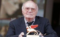 El director y guionista falleció a los 92 años de edad. El funeral tendrá lugar este lunes en RomaEl director y guionista Francesco Rosi, uno de los s...