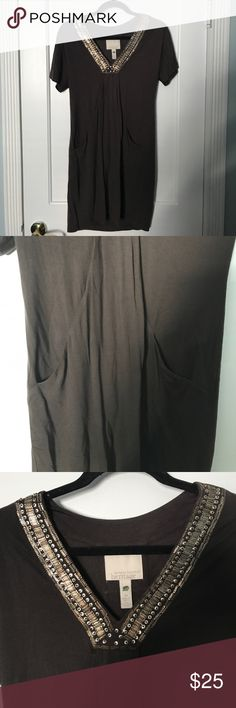 Banana Republic Heritage Dress Gently used, in great condition. Soft t-shirt material with amazing beaded neckline. Front features pleated pockets. Banana Republic Dresses