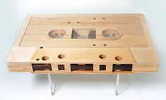 mixtape-table-basse-en-forme-de-k7-audio
