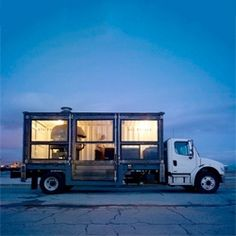 Del Popolo, a mobile pizzeria operating out of a transantlantic shipping container around San Francisco.