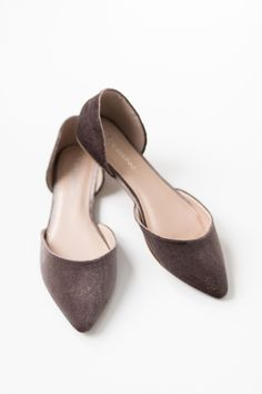 - Pointy toe flats with a velvet texture - Exterior taupe velvet texture with faux leather interior - Lightly padded insole - True to US size - All man made material - Imported