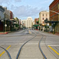 Galveston is home to three National Historic Landmarks: Tall Ship Elissa, East End and The Strand. There are approximately 1,500 historic buildings on the National Register of Historic Places.