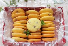 Fursecuri cu stafide Delicious Desserts, Dessert Recipes, Romanian Food, Snacks, Deserts, Food And Drink, Sweets, Cookies, Vegetables