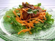 Kääpiölinnan köökissä: Oh, you're so sweet! - makeaa possua salaatilla  Sweet pork and salad