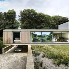 Minimal House Design, Modern Villa Design, Contemporary Style Homes, Innovative Architecture, Residential Architecture, Architecture Design, Modern Architects, Modern Farmhouse Exterior, Facade House