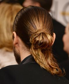 Jared Leto's Hair in a Ponytail at Golden Globes 2014 | POPSUGAR Beauty
