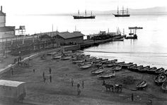Rogge Bay and the rowing sheds next to the Jetty 1918 Old Pictures, Old Photos, Vintage Photos, Most Beautiful Cities, Old Buildings, Rowing, Cape Town, Old Houses, South Africa
