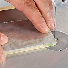 Plaque de métal tendre collée à du contreplaqué Dremel, Sheet Pan, Plaque, Plastic Cutting Board, Simple, Decor, Purifier, Train, Nfl