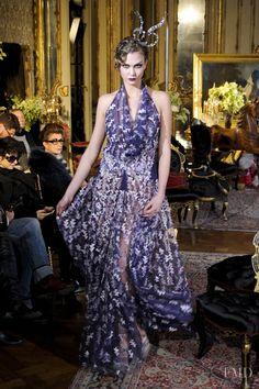 b65427714204d Karlie Kloss - John Galliano - Autumn/Winter 2011 Ready-to-Wear - paris -  Fashion Show   Brands   The FMD