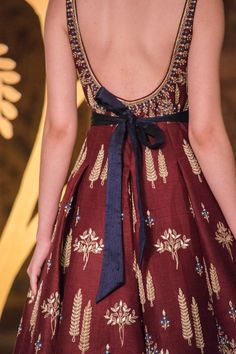 Anita Dongre Couture 2017 + What I Wore – HeadTilt - Suit World Kurti Neck Designs, Kurti Designs Party Wear, Blouse Designs, Pakistani Outfits, Indian Outfits, Stylish Dresses, Fashion Dresses, Party Dress Outfits, Indian Designer Suits