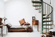 escalier colimaçon -metal-vert-bois-vintage
