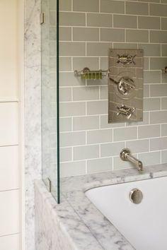 Ein Haus am Meer in Maine Steam Showers Bathroom, Small Bathroom, Master Bathroom, Bathroom Ideas, Bathroom Designs, Condo Bathroom, Bathroom Cabinets, Bath Ideas, White Bathroom