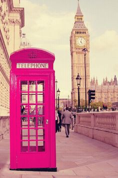 PINK TELEPHONE BOOTH!