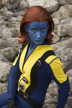 Beautiful Mystique cosplay