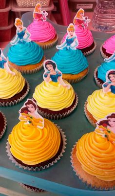 Throwing a Disney Princess party without spending weeks in the kitchen. Planning a Disney Princess party doesn't have to be as painful as kissing a frog. We have everything you need in one place to throw a Disney Princess party. Disney Princess Birthday Party, Disney Princess Party, Cinderella Party, Birthday Parties, Cake Birthday, Princess Birthday Cupcakes, Birthday Ideas, Disney Princess Decorations, Cinderella Cupcakes