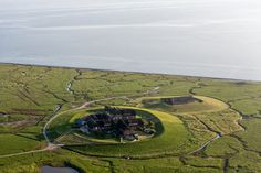 Hallig Gröde © Alex MacLean Wales, Golf Courses, Island, Outdoors, National Forest, Beautiful Places, Vacations, Nice Asses, Culture