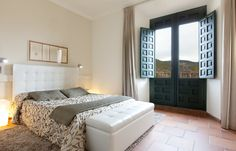 Habitación doble Bed, Furniture, Home Decor, Eleanor Of Aquitaine, Double Bedroom, Cave, Places, Decoration Home, Stream Bed