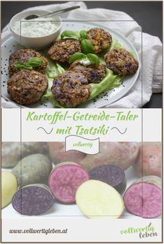 Ich liebe es, Taler bzw. Bratlinge zu kochen, da immer genügend für den nächsten Tag übrigbleibt und man sie auch gut einfrieren kann. Die Kartoffel-Getreide-Taler sind schnell gemacht, sehen hübsch aus und passen perfekt zu frischem Tsatsiki. #vollwert #vollwertkost #vollwertig #kartoffel #erdäpfel #getreide #taler #bratlinge #tsatsiki #kochen #gesund #gesundkochen #vitalstoffe #rezept #rezepte #diy Brunch, Vegan, Teller, Ethnic Recipes, Sweet, Dinner, Food, Best Healthy Recipes, Whole Food Diet