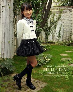 a8e0dd8d5f83a 卒園式・入学式にお勧めの女の子スーツ。ジャケット・ブラウス・リボン・スカートなどがセットの可愛いフォーマル子供服です。 lead-23039 入学式  子供服 女子 110 120 ...