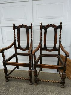 PAIR ANTIQUE SOLID OAK BARLEY TWIST CARVED VICTORIAN CAPTAINS THRONE HUNT  CHAIRS