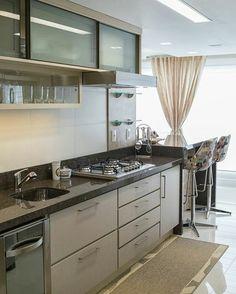 Trendy kitchen lighting led home Easy Home Decor, Cheap Home Decor, Kitchen Sets, Kitchen Decor, Kitchen Small, Glass Kitchen, Modern Kitchen Cabinets, Herd, Minimalist Decor