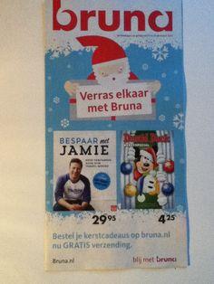 'Verras elkaar met Bruna'. Bruna heeft heel tactisch op deze flyer twee doelgroepen gepresenteerd, een kookboek en een kinderboek. Voor alles wat.