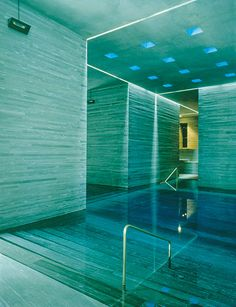 Nothing but water, light and stone - Therme Vals Spa in Switzerland by my favorite architect Peter Zumthor Spa Interior, Piscina Interior, Interior And Exterior, Spa Design, House Design, Design Ideas, Classical Architecture, Interior Architecture, Sauna Wellness