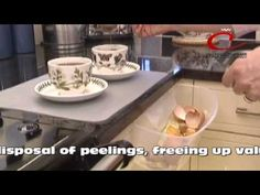 The #CaraselleDirect clear-Away conveniently hooks onto cupboard doors and drawers for easy disposal of peelings, freeing up valuable worktop space when preparing #Food. Check out Caraselle Clear-Away Container here: www.caraselledirect.com/_/the_caraselle_clear_away_container._ideal_for_vegetable_peelings.2397-1