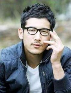 Lee Eon February 5, 1981- August 21, 2008  Lee Eon was a Korean model and actor who had just begun his promising film career when he was tragically killed in a motorcycle accident that broke his neck.