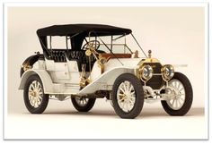 1913 Locomobile Model Four Passenger Baby Tonneau. The Locomobile Company of America was a pioneering American automobile manufacturer founded in Vintage Cars For Sale, Veteran Car, Collector Cars, Retro Cars, Old Cars, Motor Car, Jaguar, Peugeot, Cars And Motorcycles