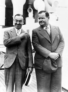 Laurel And Hardy, Stan Laurel Oliver Hardy, Great Comedies, Classic Comedies, Classic Movies, Golden Age Of Hollywood, Hollywood Stars, Funniest Pictures Ever, Sound Film