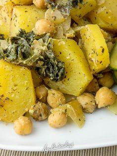 ziemniaki-zapiekane-z-jarmuzem-szybkie-zdrowe-danie-7 Lactose Free, Gluten Free, Vegan Recipes, Cooking Recipes, Vegan Food, Healthy Food, Spanakopita, Cantaloupe, Potato Salad