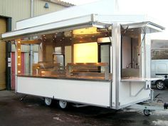 Showmans Food Trailer with side hatch
