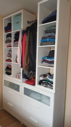 a dressing room for less than 200 euros. Plenty of storage and simplicity . - Home Decor -DIY - IKEA- Before After Ikea Closet Hack, Closet Hacks, Closet Storage, Dressing Ikea, Dressing Room, Small Room Bedroom, Closet Bedroom, Ikea Billy Bookcase, Trendy Home