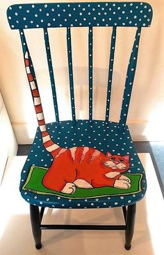 Decoration paintings on chairs, ideas recycling chair decorate chair. - UPCYCLING IDEAS - Decoration paintings on chairs, ideas recycling chair decorate chair. Art Furniture, Funky Furniture, Repurposed Furniture, Furniture Projects, Furniture Makeover, Furniture Chairs, Painting Furniture, Chair Painting, Furniture Websites