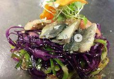 Lomo de sardina con lombarda y repollo encurtidos | Restaurante O Ferro en Santiago de Compostela, A Coruña