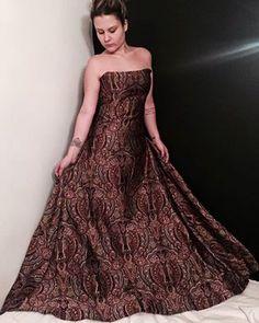 Amo tanto esse vestido que não consigo postar uma vez só! ❤️ #overposting #bestdressever #madrinha #jacquarddress #thedressingproject 👉🏻👗#followthedress Tamanho P disponível para locação! 📲11 992452628
