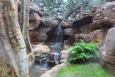 Why You Should Invest In Simple Water Features For Your Home Garden – Pool Landscape Ideas Rock Waterfall, Small Waterfall, Backyard Water Feature, Ponds Backyard, Pond Landscaping, Landscaping With Rocks, Artificial Rocks, Building A Pond, Natural Pond