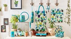 Brie Harrison for Burgon & Ball collection. High quality gardening gifts & homeware, with gorgeously leafy houseplant-themed design. Explore the range today. Indoor Watering Can, Melamine Tray, Peg Bag, Gardening Gloves, Gardening Tools, Garden Accessories, Garden Gifts, Green Plants, Brie