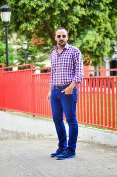 Camisa de cuadros y pantalones vaqueros: ¡La combinación perfecta!  #menstyle #menswear #mensfashion #blogger #ootd #streetStyle