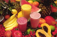 Smoothies have grown very popular over the years, with fruit smoothies being at the top of the list of favorite beverages. Many people already consume fruit smoothies regularly and have praised the… Fruit Smoothies, How To Make Smoothies, Smoothies For Kids, Easy Smoothies, Breakfast Smoothies, Homemade Smoothies, Breakfast Fruit, Breakfast Ideas, Detox Breakfast