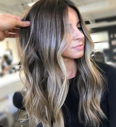 Lowlight your look Colourist Gianhair Stylist Gianhair For bookings and Enqui Hellip Ash Blonde Balayage, Brown Hair With Blonde Highlights, Brown Blonde Hair, Light Brown Hair, Hair Highlights, Brown Hair Trends, Brown Hair Colors, Ombre Hair, Wavy Hair