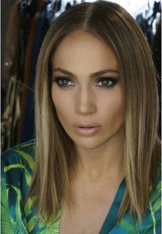 Jennifer Lopez https://www.facebook.com/shorthaircutstyles/posts/1720104311613342